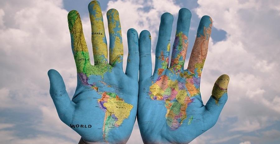 Dunia dalam genggaman